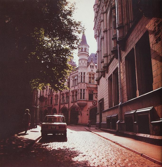 «Жигули» на улице Амату.