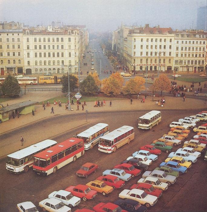 Вокзальная площадь и улица Гарлиба Меркеля.