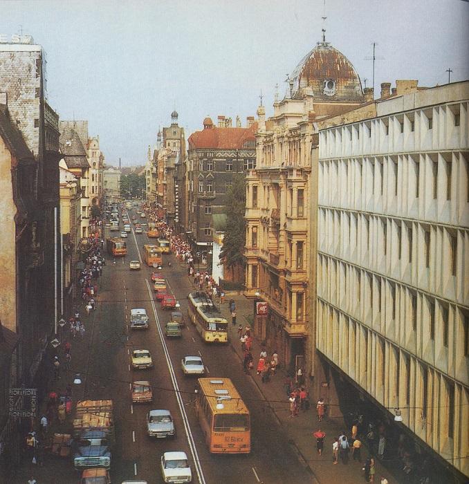 Улица Ленина — центральная улица Риги.