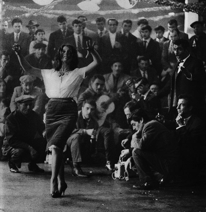 Цыганский танец входит в группу самых популярных танцев мира.
