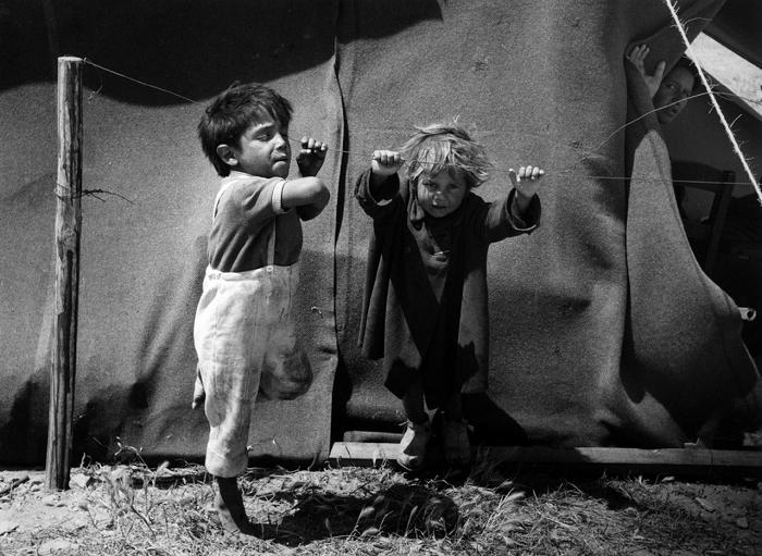 Цыганёнок танцует лезгинку.