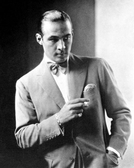 Рудольф Валентино в костюме от всемирно известного итальянского Модного дома.