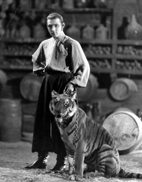 Актер немого кино, «звездная» карьера которого длилась всего шесть лет.