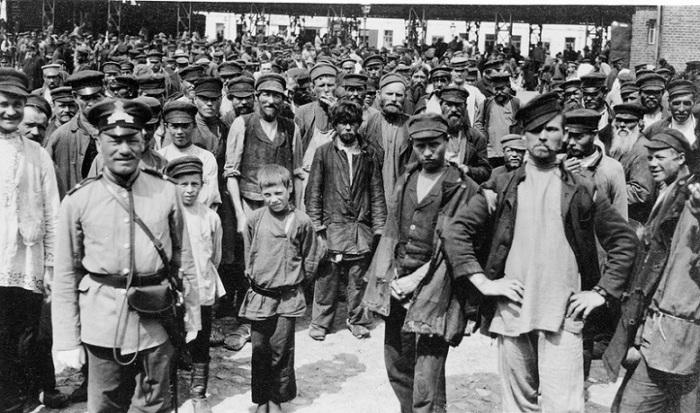 Как и сегодня, Москву образца 1909 года наполняли гастарбайтеры каких только можно национальностей.