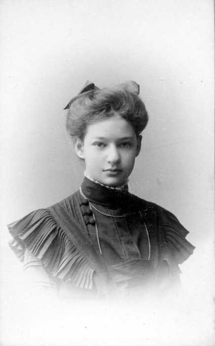 Берман Ксения Густавовна - дочь пастора.