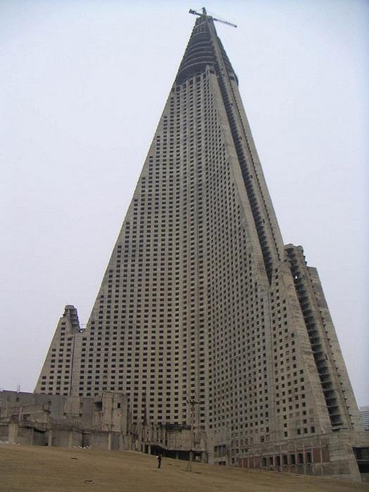 Самый высокий отель-призрак в мире.
