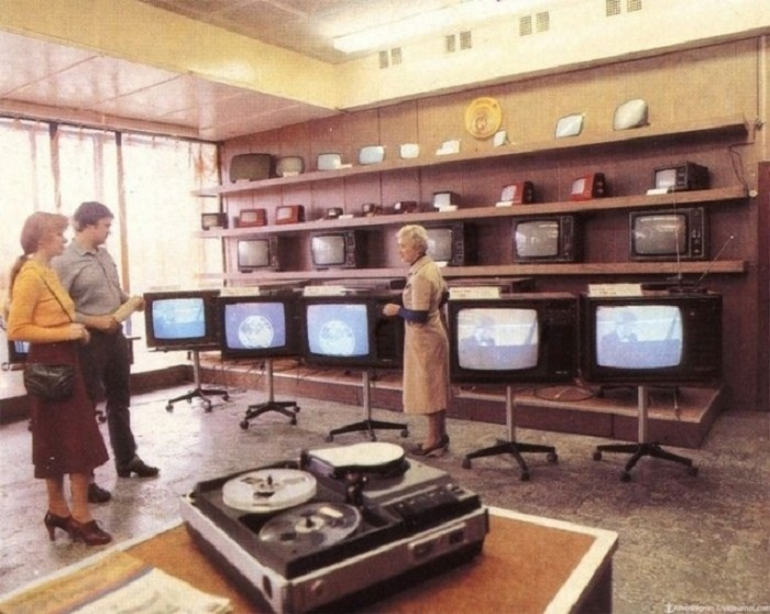 Советский телевизор был роскошью.