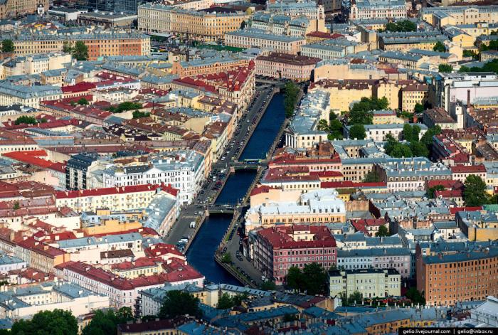 Канал в Санкт-Петербурге, берущий начало от реки Мойки у Марсова поля и впадающий в Фонтанку у Мало-Калинкина моста.