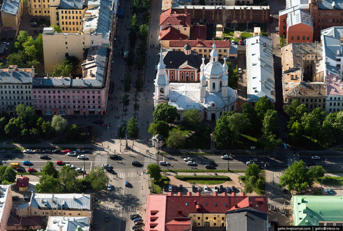 Пересечение Большого проспекта и Андреевского бульвара.