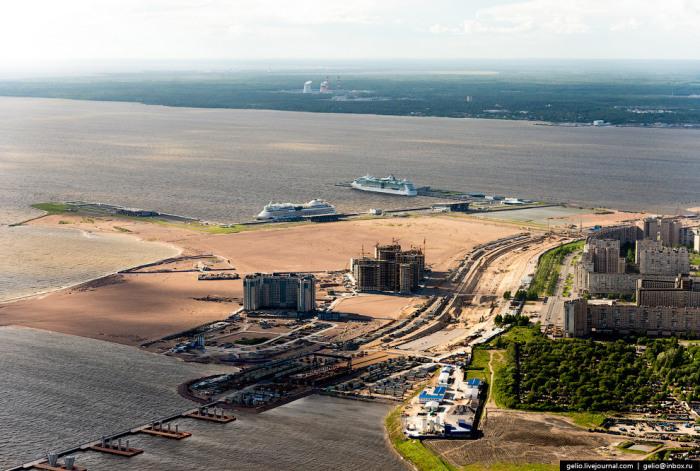 Проект дополнительного расширения Васильевского острова в сторону Невской губы и создания здесь Морского порта.