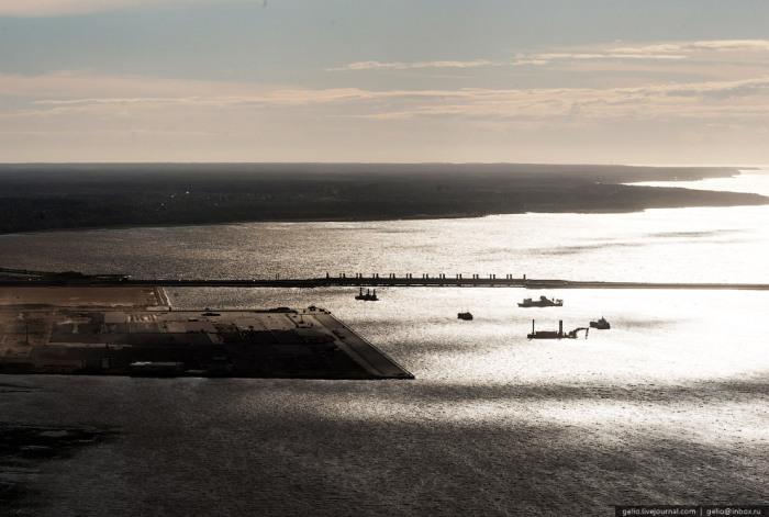 Строительство морского порта «Бронка»