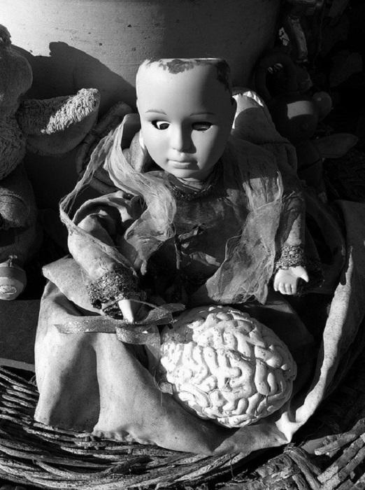 Кукла, которая наводит ужас.