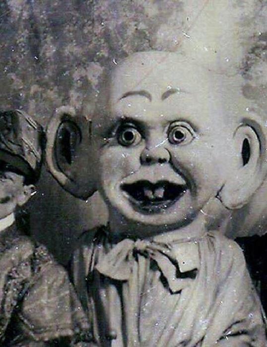 Прошлое куклы осталось в ней.