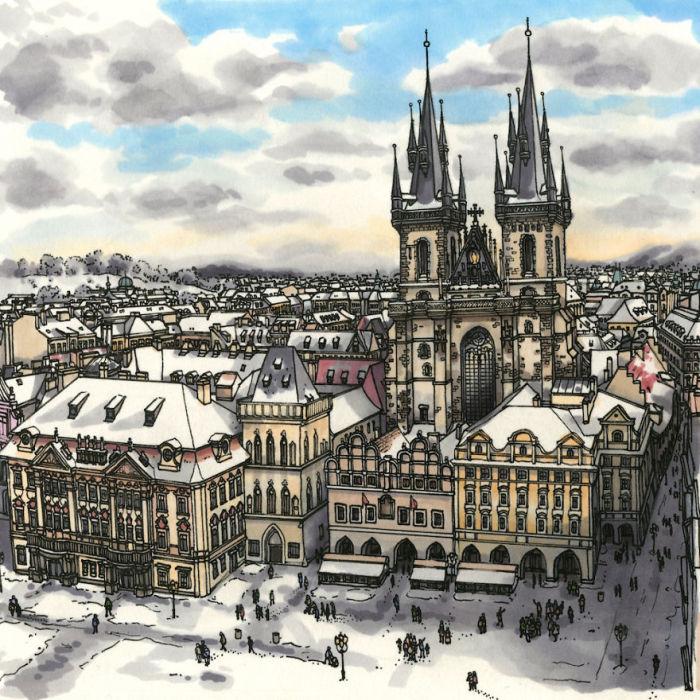 Исторический центр Праги, окруженный городскими домами с фасадами различных архитектурных стилей, с видом на Тынский храм.