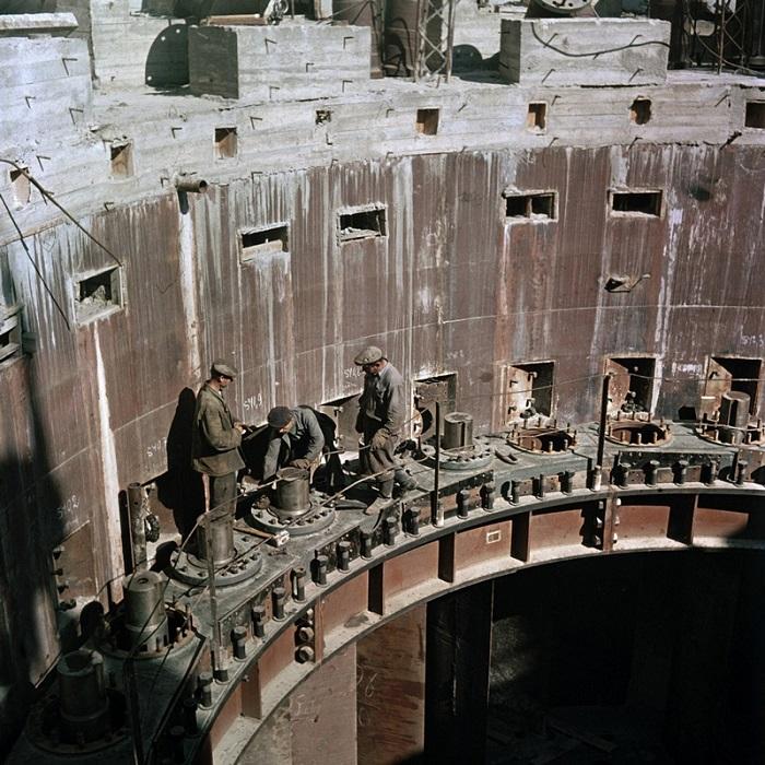 Строительство Волгоградской (Сталинградской) ГЭС.