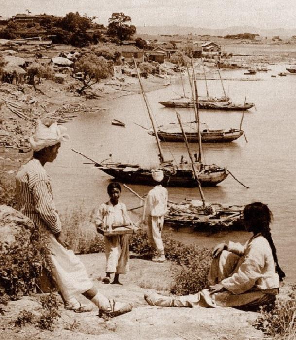 Берег лесозаготовительного городка, 1903 год.