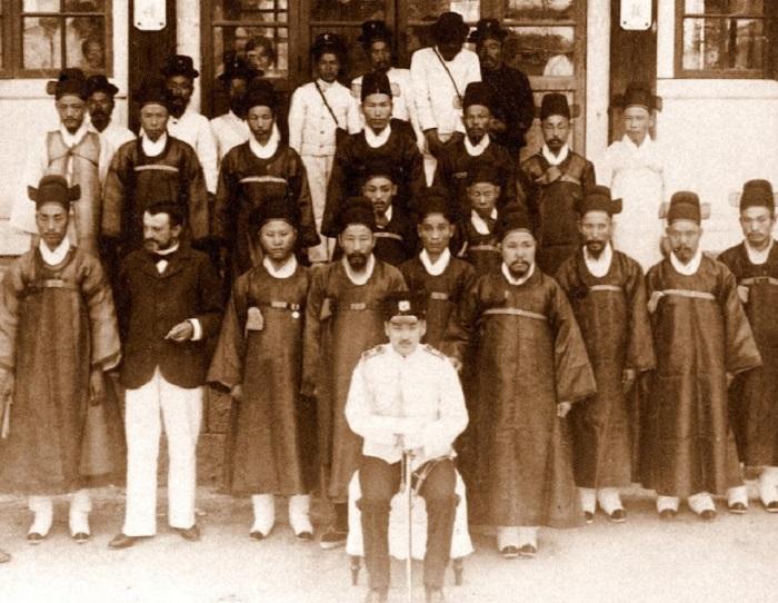 Сотрудники министерства, 1903 год.