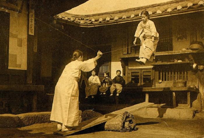 Развлечения корейских девочек, 1905 год.