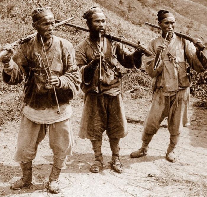 В горах за пределами Сеула, 1900 год.