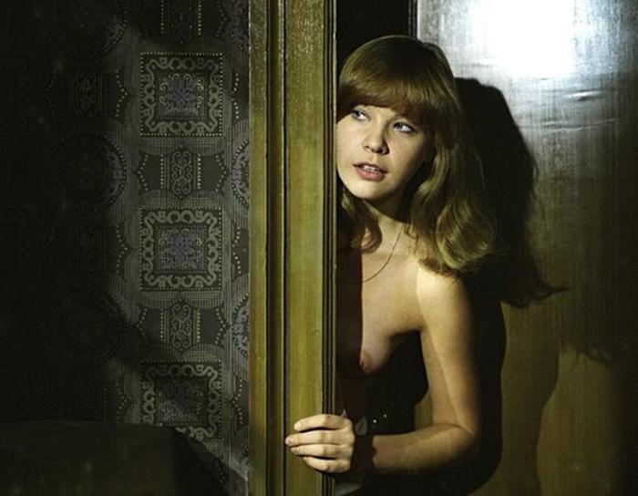 Режиссерам нравилось снимать обнаженную Татьяну Догилеву. Её женские прелести сводили с ума многих членов съемочных групп.
