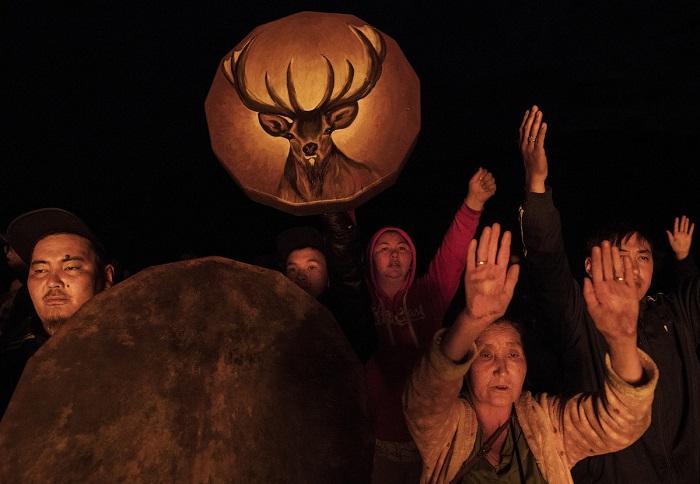 В шаманских ритуалах кожаные бубны играют ключевую роль – от главного советника до проводника в мир духов.