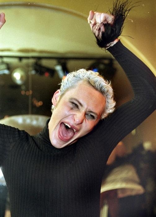 Эпатажный певец, выступавший под творческим псевдонимом Шура. / Фото: goodhouse.ru