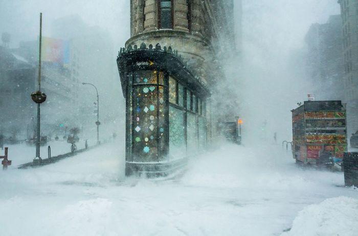 Особой отметки жюри в категории «Архитектура и городские пейзажи» удостоился американский фотограф Мишель Палаццо (Michele Palazzo).