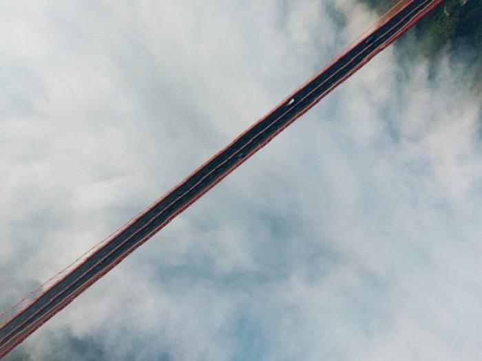 Это изображение автомобильного моста в США выиграло первый приз в любительской категории «Красота».