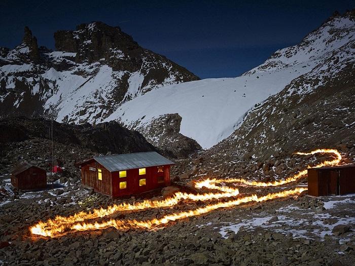 Огонь и ледник Льюис — крупнейший на горе Кения.