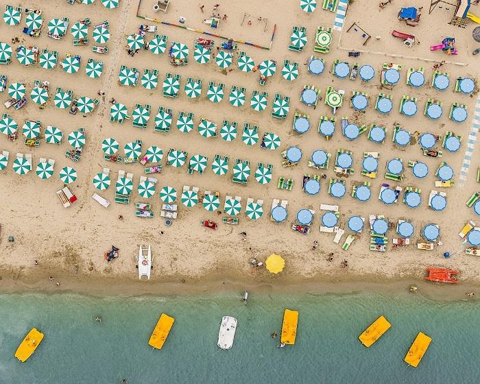 Адриатическое побережье Италии: вид сверху.