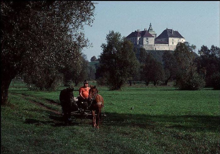 Олесский замок, построенный поляками в XIV веке, 1988 год. Фотограф Бруно Барби (Bruno Barbey).