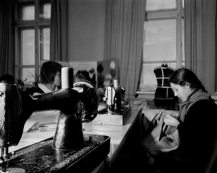 Любимый урок многих девочек, 1988 год. Фотограф Карл Де Кейзер (Carl De Keyzer).