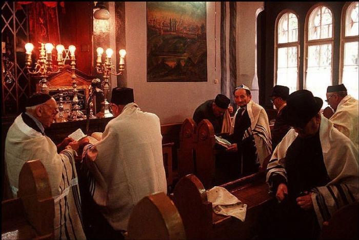 Центр еврейской жизни Черновцов, 1988 год. Фотограф Бруно Барби (Bruno Barbey).