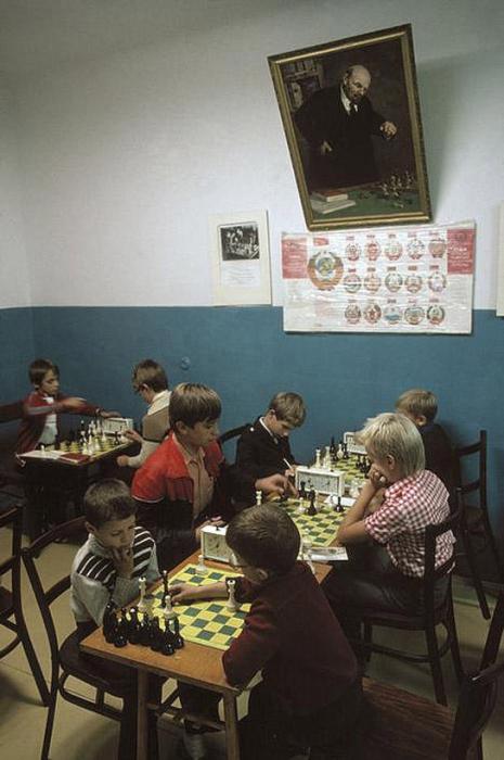 Ялтинский шахматный клуб для детей, 1988 год. Фотограф Бруно Барби (Bruno Barbey).