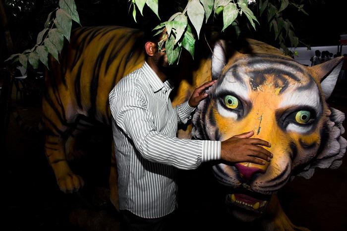 Место съемки - Чарукола, город Дакка (Бангладеш).