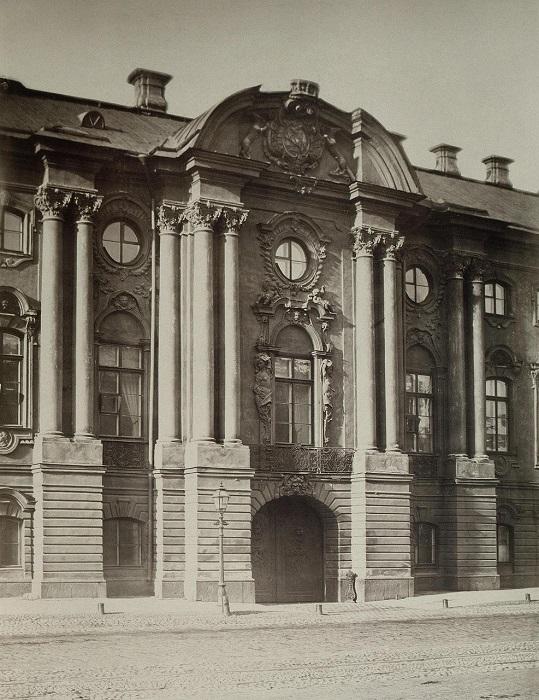 Дворец Строгановых на Невском проспекте.