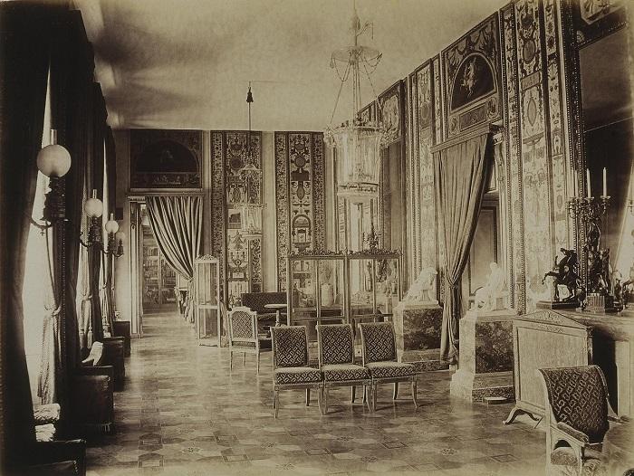 Один из самых впечатляющих интерьеров Строгановского дворца. Фото 1913 года.