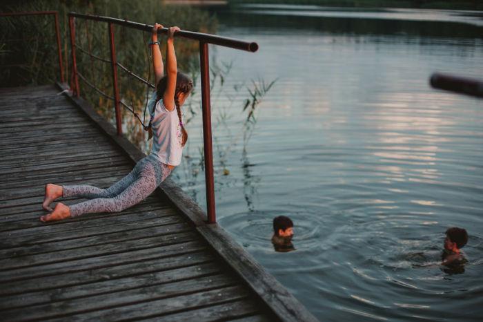 Купаться в речке – это весело!