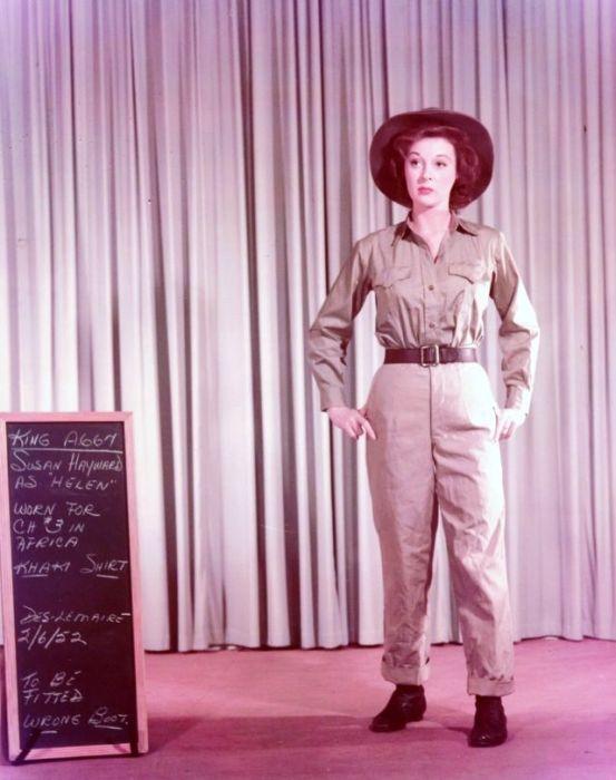 Подбор костюма для съемок Сьюзен Хейворд в фильме «Снега Килиманджаро», где актриса сыграла роль Элен – жену главного героя.