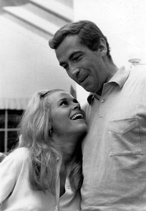 Американская модель и актриса Джейн Фонда (Jane Fonda) вместе с супругом Роже Вадимом (Roger Vadim).