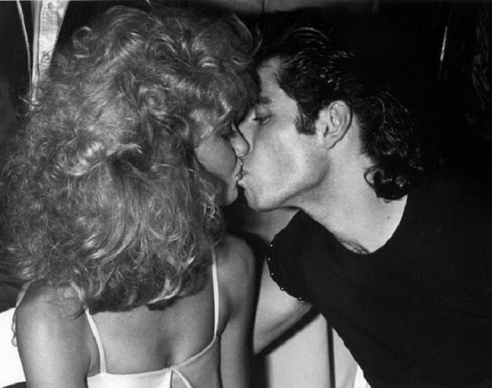 Актриса и певица Оливия Ньютон-Джон (Olivia Newton-John) и Джон Траволта (John Travolta) в клубе «Студия 54».