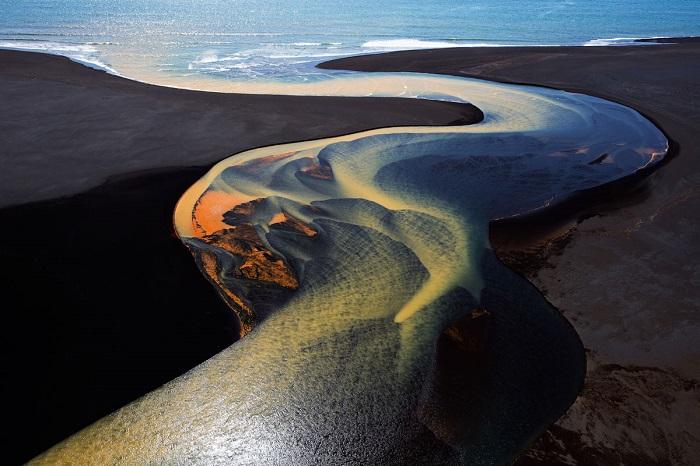 Сказочная дельта реки в Южной Исландии. Автор фотографии: Стивен Кинг (Stephen King).