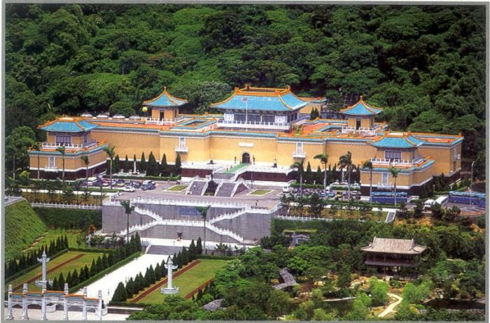Один из двенадцати крупнейших художественных музеев мира.