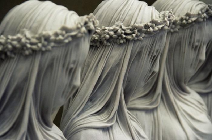 Работа итальянского скульптора Рафаэля Монти.