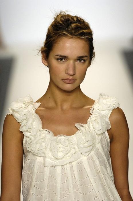 Российская красавица дважды принимала участие в «Victoria's Secret Fashion Show», куда приглашают только самых известных и популярных моделей мира.