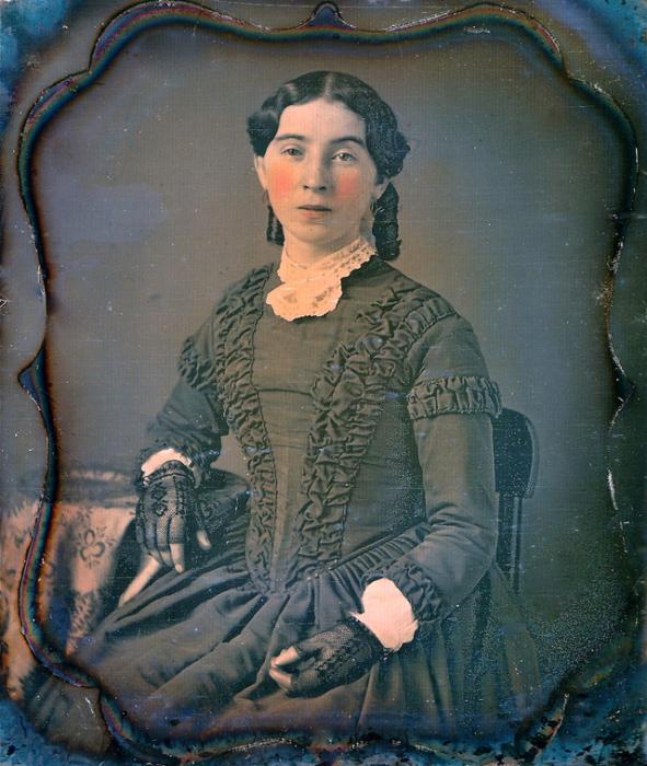 Кружевные перчатки – распространённый викторианский аксессуар.