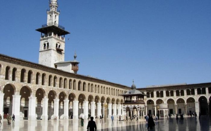 Дамаск сегодня - это самый старый город в мире. Его захватывали Александр Македонский, арабы, римляне и турки, но в нём сохранилось много достопримечательностей для туристов до трагических событий «сирийской весны».