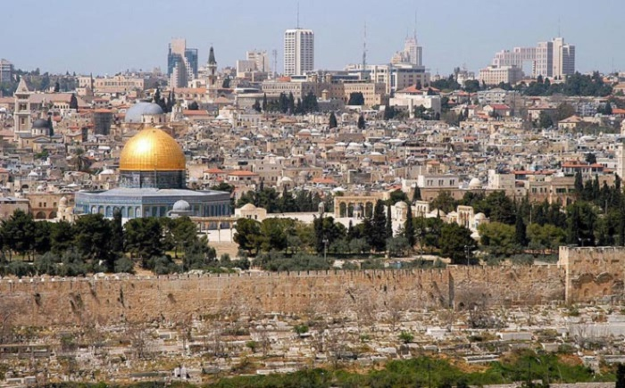 Иерусалим, самый известный город Среднего Востока, который был основан в 2800 г д.н.э. и сыграл важную роль в истории человечества.
