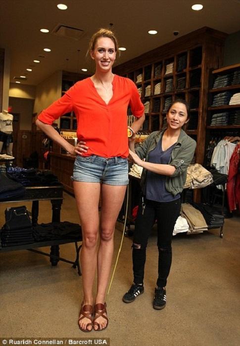 Длина ног модели Лорен Уильямс превышает 120 сантиметров.