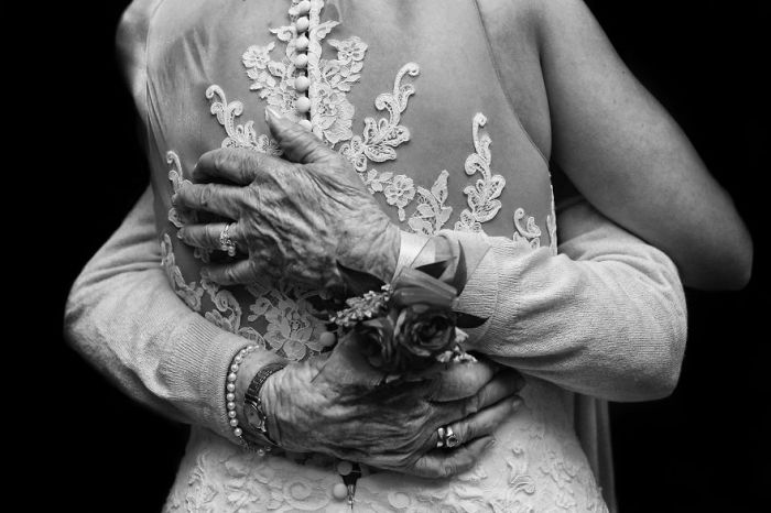 Каждая мать, выдавая дочь замуж, искренне желает ей семейного благополучия.